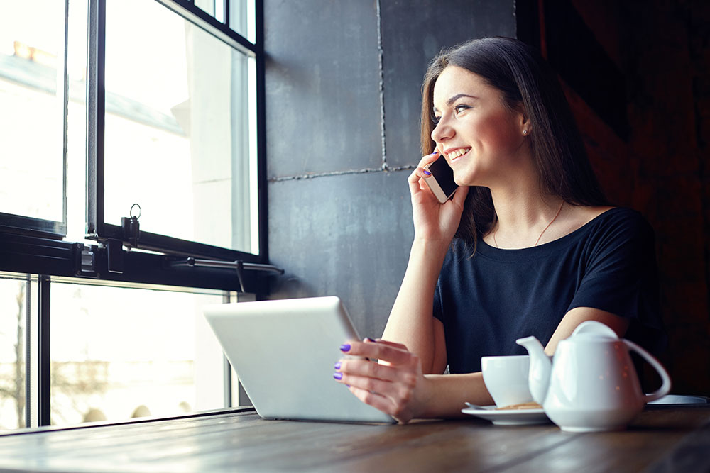Autamme asiakkaitamme hankkimaan lisää liidejä hyödyntämällä monipuolisia markkinointiratkaisuja.